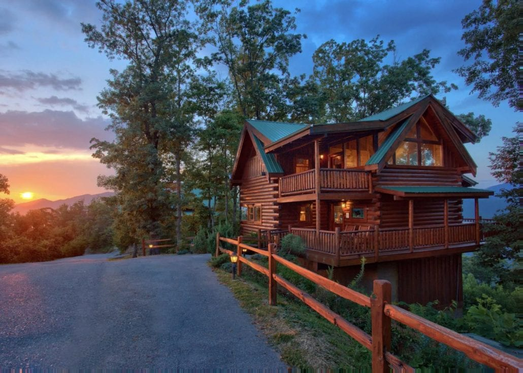 cabin in Tennessee with a view